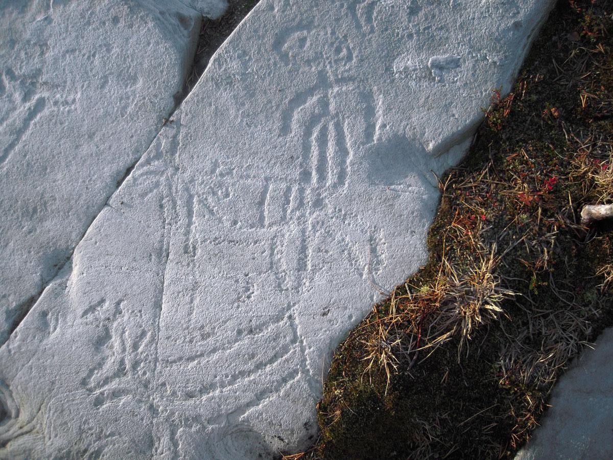 Bergkunsten i Alta er den største kjente samlingen av helleristninger i Nord-Europa og står på Unescos verdensarvliste. Helleristningene er mellom 6200 og 2000 år gamle. Foto: Bjørn Helberg Riksantikvaren