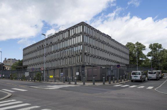 """Ambassadens  """"bakside """" sett fra Løkkegaten og Hansteens gate. Foto: Lene Buskoven Riksantikvaren"""