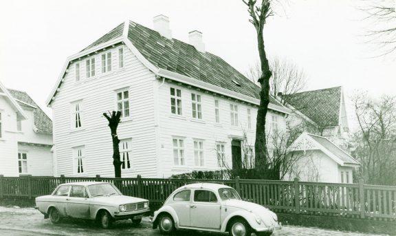 Bilde av Christiansenhuset tatt i 1970. Foto: Ola Hektoen Øverås©Riksantikvaren