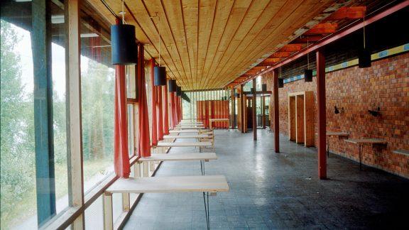 Bilde av foajeen ved restauranten i fordums prakt. Foto: Erik Bøe Riksantikvaren