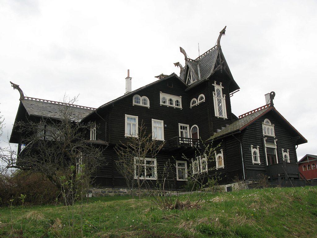 Kornhaug sett fra sørøst. Foto: Ingeborg Magerøy Riksantikvaren.