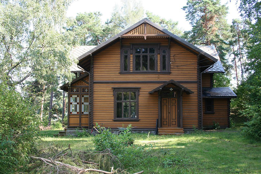 "Hovedhuset  ""Villa Gräpling "" antas å være oppført 1887. Foto: Bård Langvandslien©Riksantikvaren"