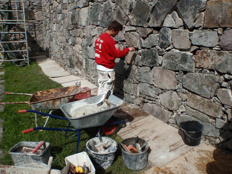 Murkonservering på Holla kirkeruin