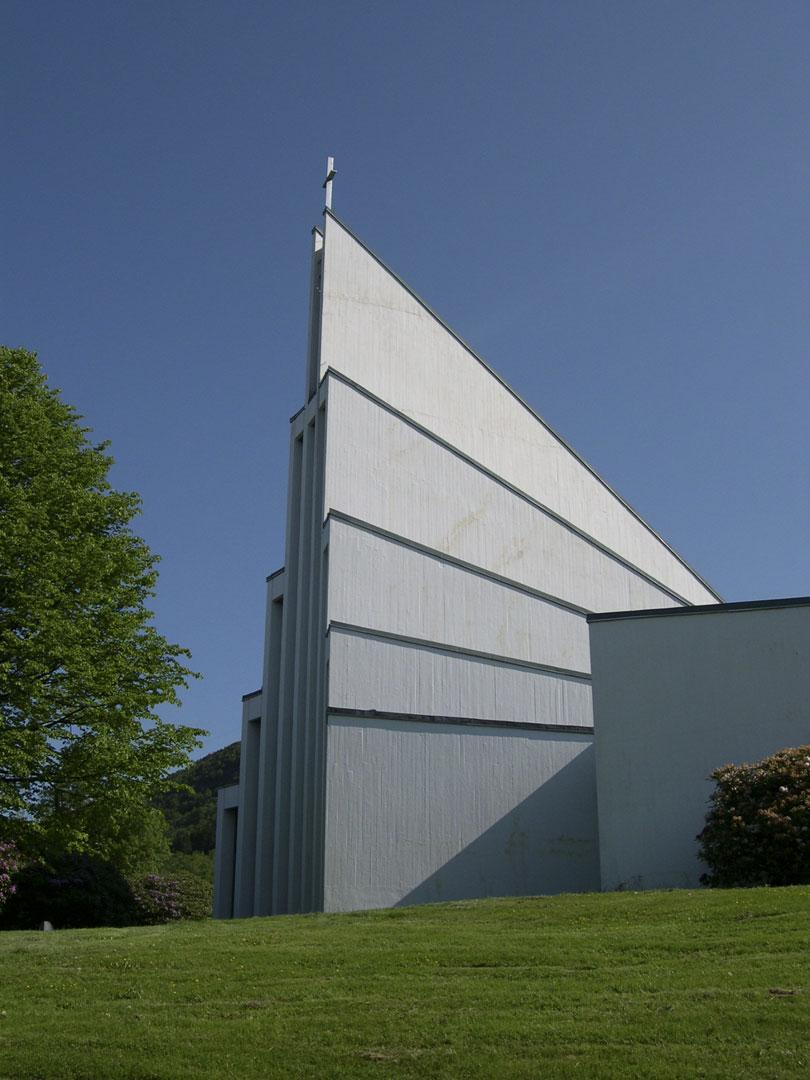 Landås kirke i Bergen er listeført. Foto: Oddbjørn Sørmoen Riksantikvaren