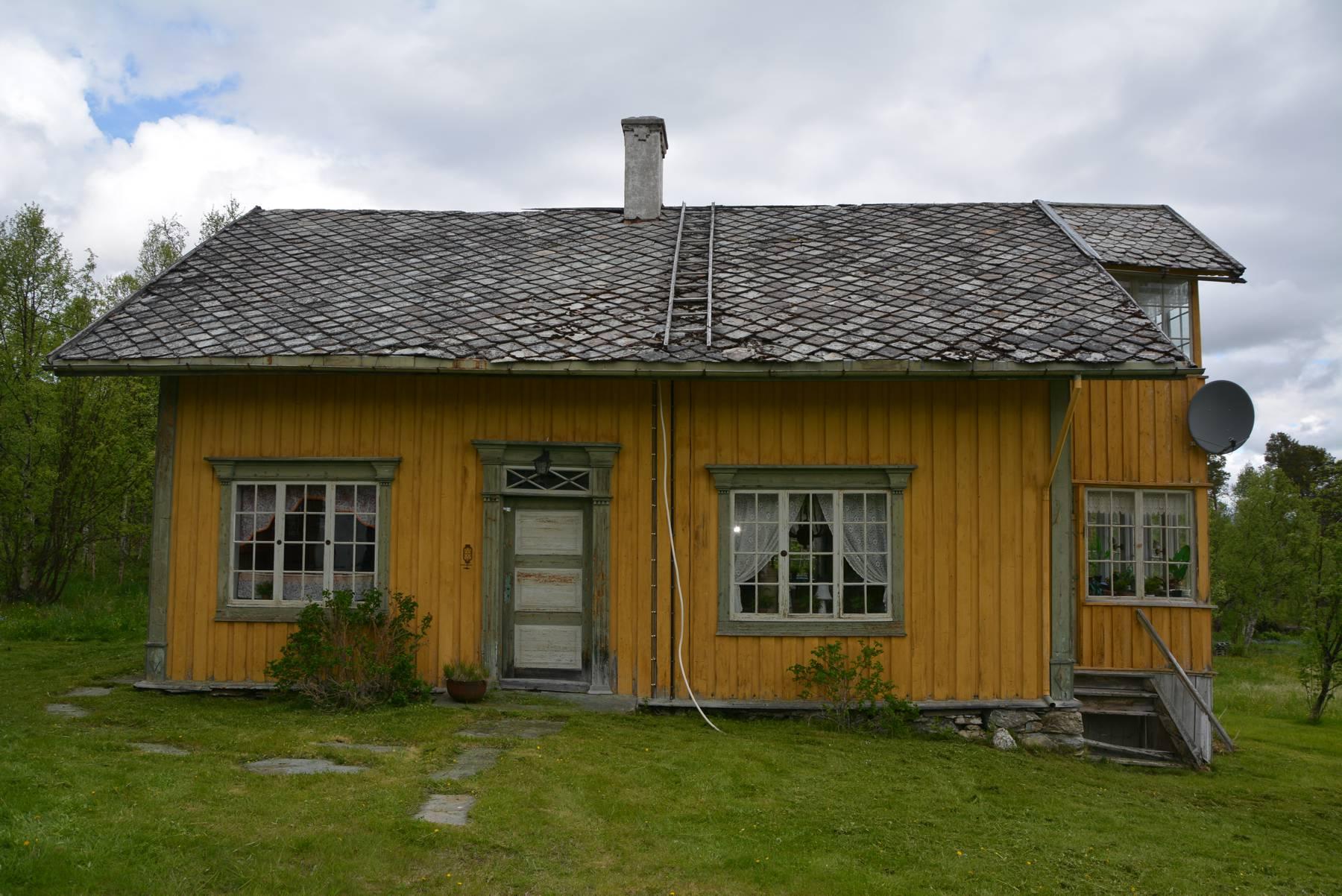 Bilde av Hovedhuset på Litjtrøa med forbilder fra Carl-Larsson stilen. Foto: Roy Håpnes Trøndelag fylkeskommune