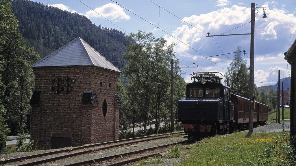 Løkken stasjon på Thamshavnbanen. Foto: Arve Kjersheim Riksantikvaren.