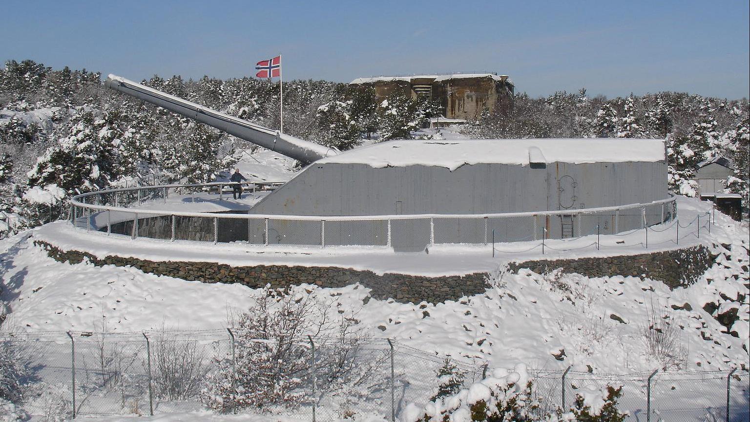 Kanon fra andre verdenskrig ved Møvik fort ved innseilingen til Kristiansand. Foto: Arild Andersen kanonmuseet.no