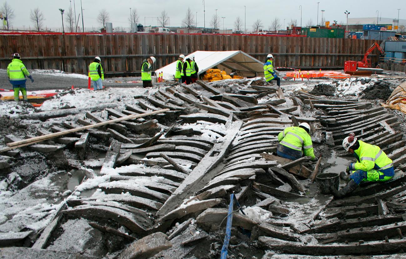 Ved de arkeologiske undersøkelsene i forbindelse med utbyggingen av Barcode i Bjørvika i Oslo ble det funnet 13 båter/skip fra sent 1500-tall eller tidlig 1600-tall. Foto: Ivar Nesse-Aarrestad Riksantikvaren
