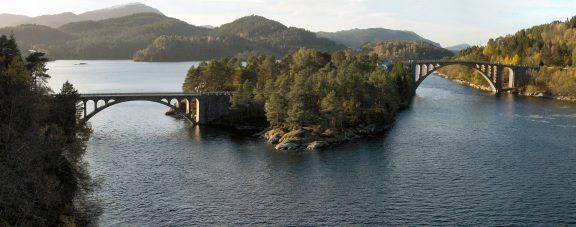 Både Heggestraumen bru og Storestraumen bru er del av fredinga. Foto: Møre og Romsdal fylkeskommune kulturavdelinga.