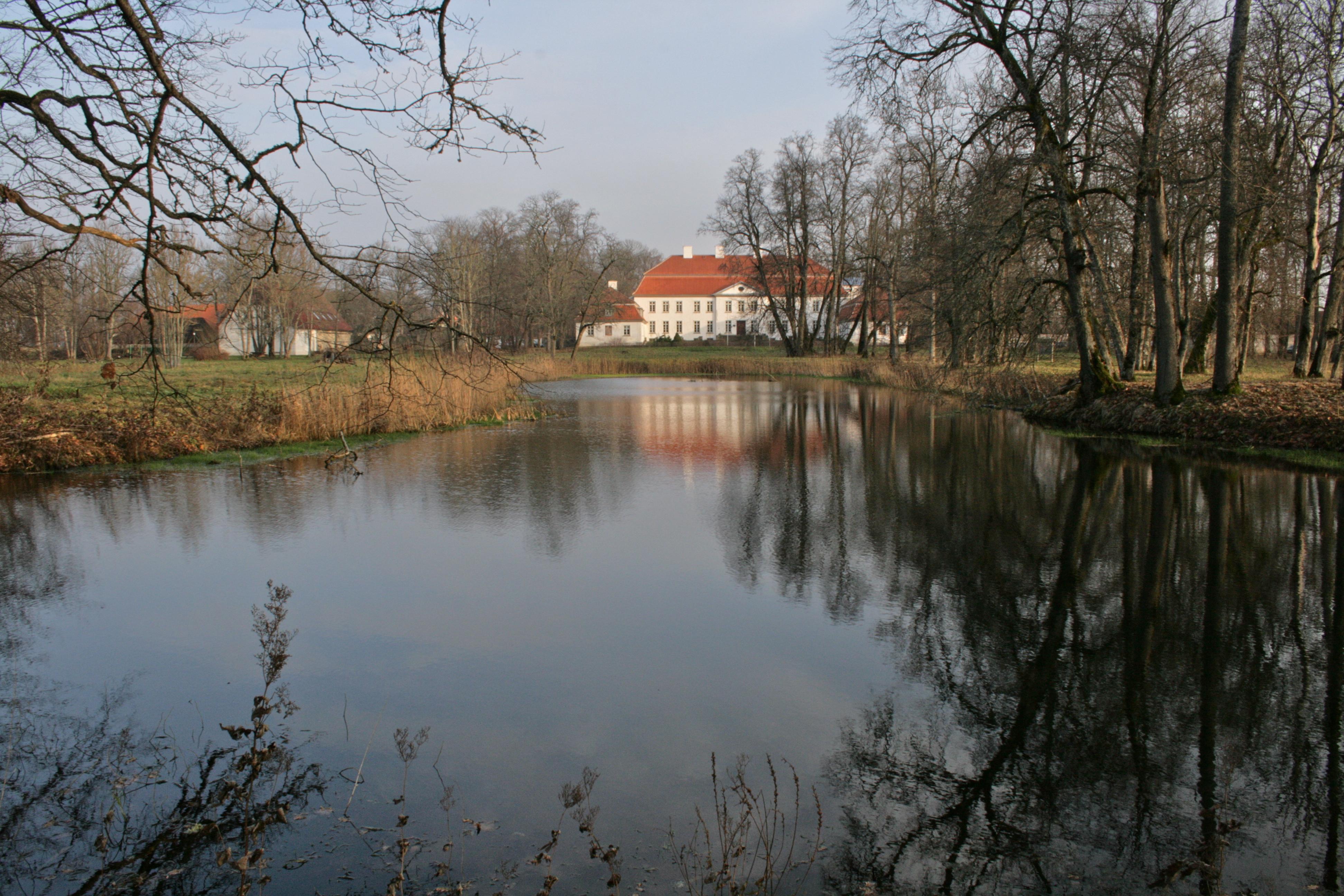 Suuremoisa herregård i Estland. Foto © Kristiina Hellström