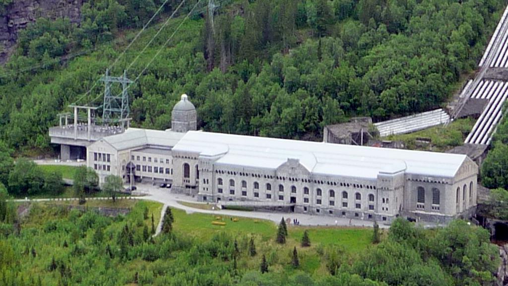 Vemork kraftstasjon. Foto: Michael Spiller (CC BY-SA) via Wikimedia Commons.