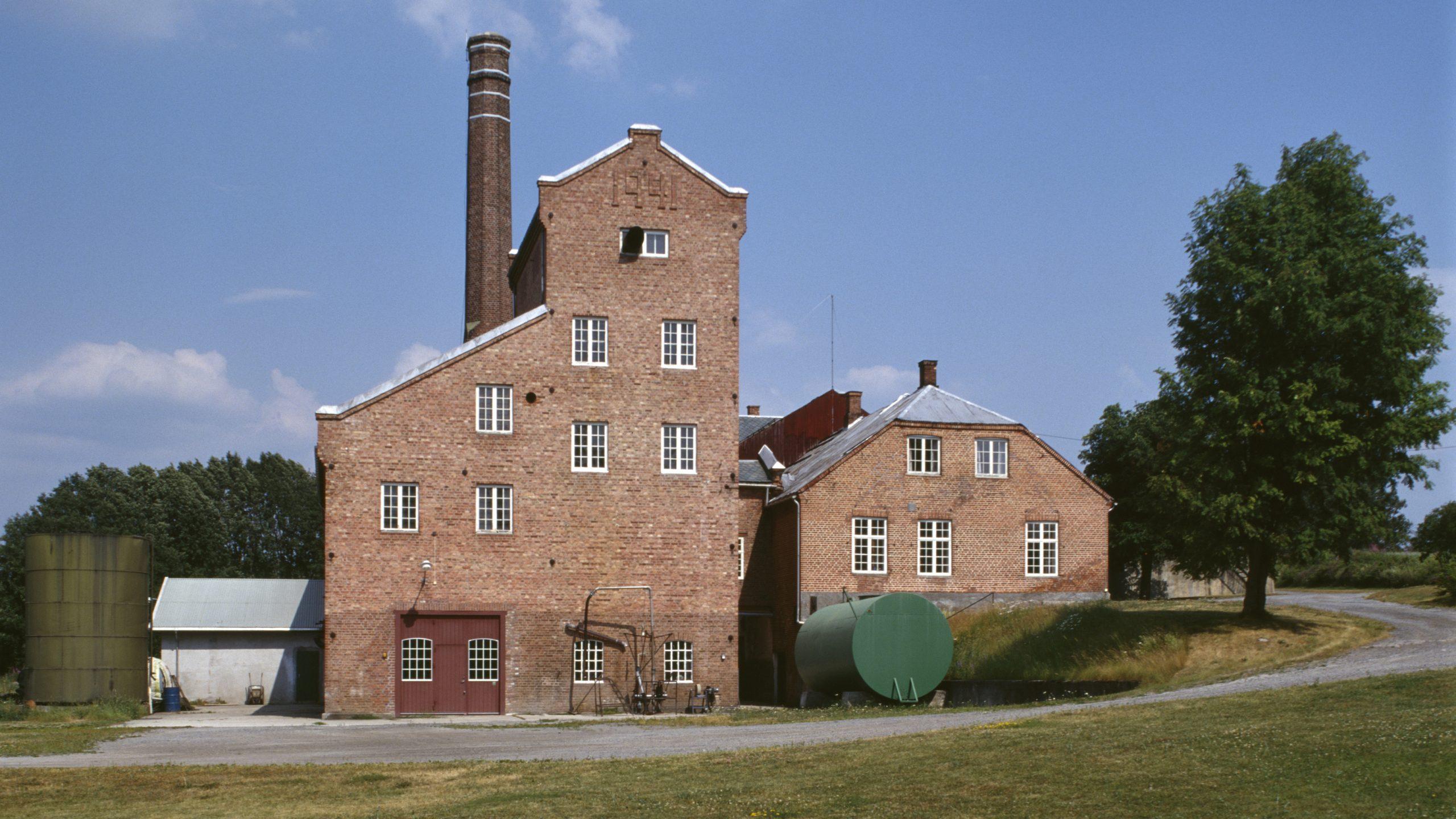 Bilde av Atlungstad brenneri, Stange, Hedmark. Foto: Birger Lindstad / Riksantikvaren