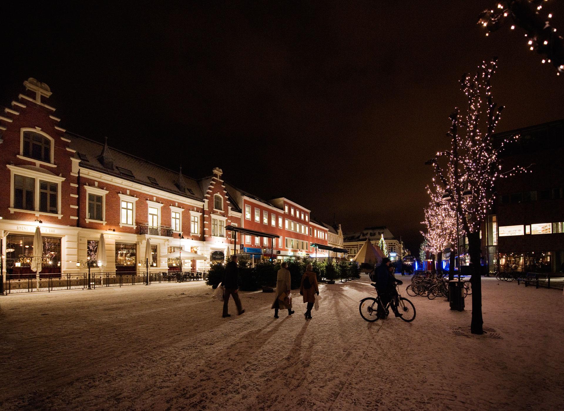 Bilde av Vinter på torvet i Kristiansand, en by hvor det skjer mye spennende byutvikling for tiden. Foto: Guri Dahl