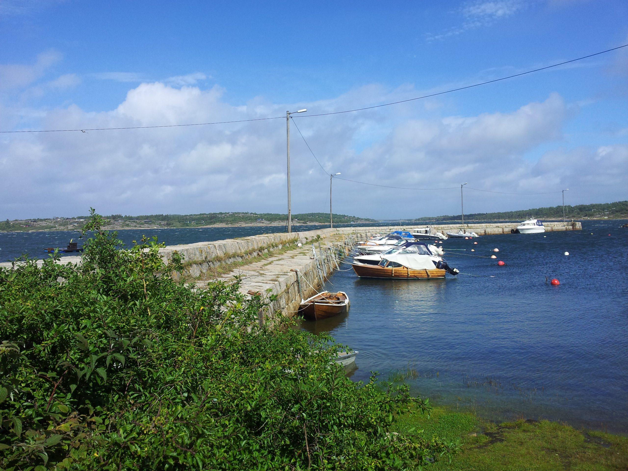 Bildet viser Kystverket Brattestø Fiskerihavn. Foto: Ingrid Djupedal, Riksantikvaren