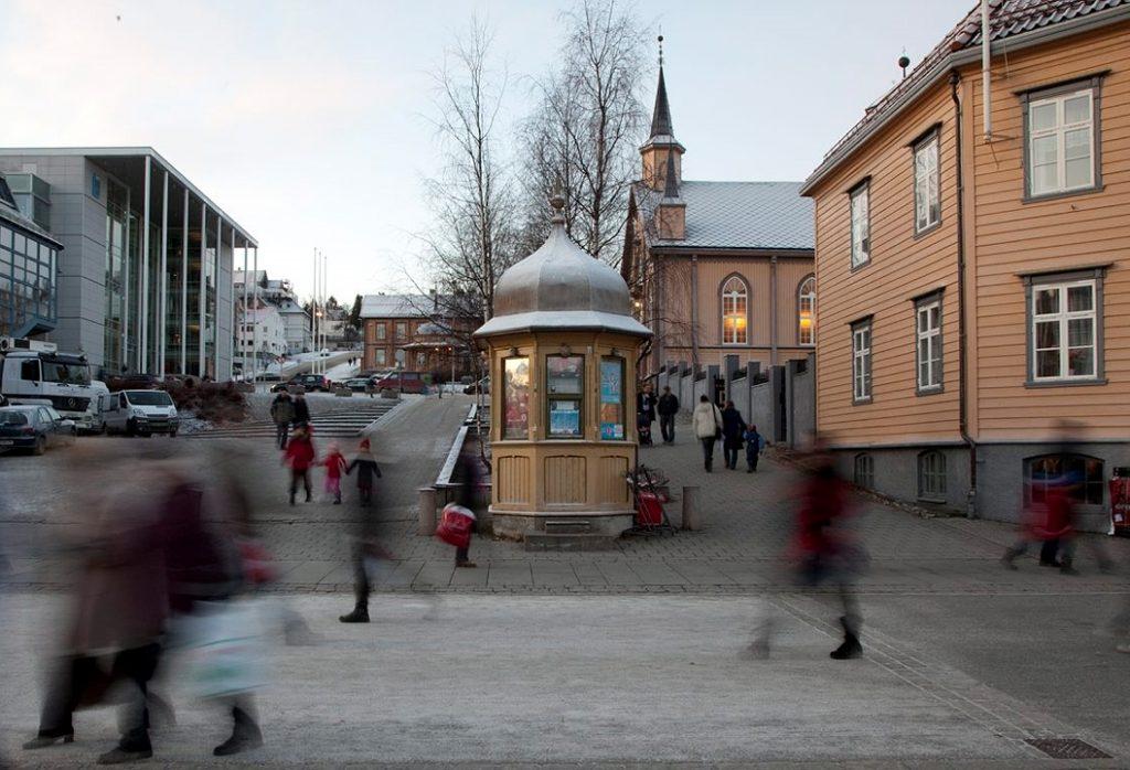 Bilde av månedens kulturminne i januar: Rakettkiosken på Stortorget i Tromsø. Foto: Birger Lindstad