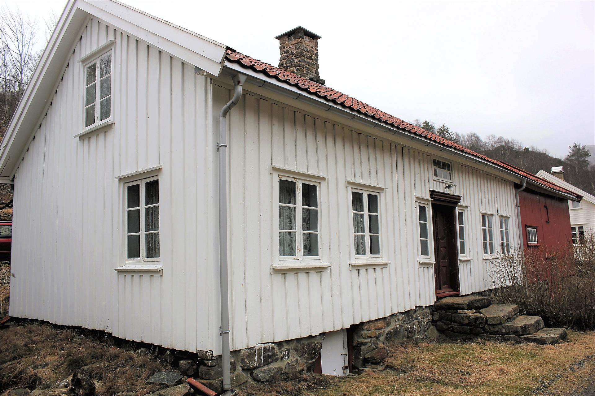 Bilde av det sammenbygde vånings- og uthuset på Sigersvoll. Foto: Bodil Paulsen, Riksantikvaren