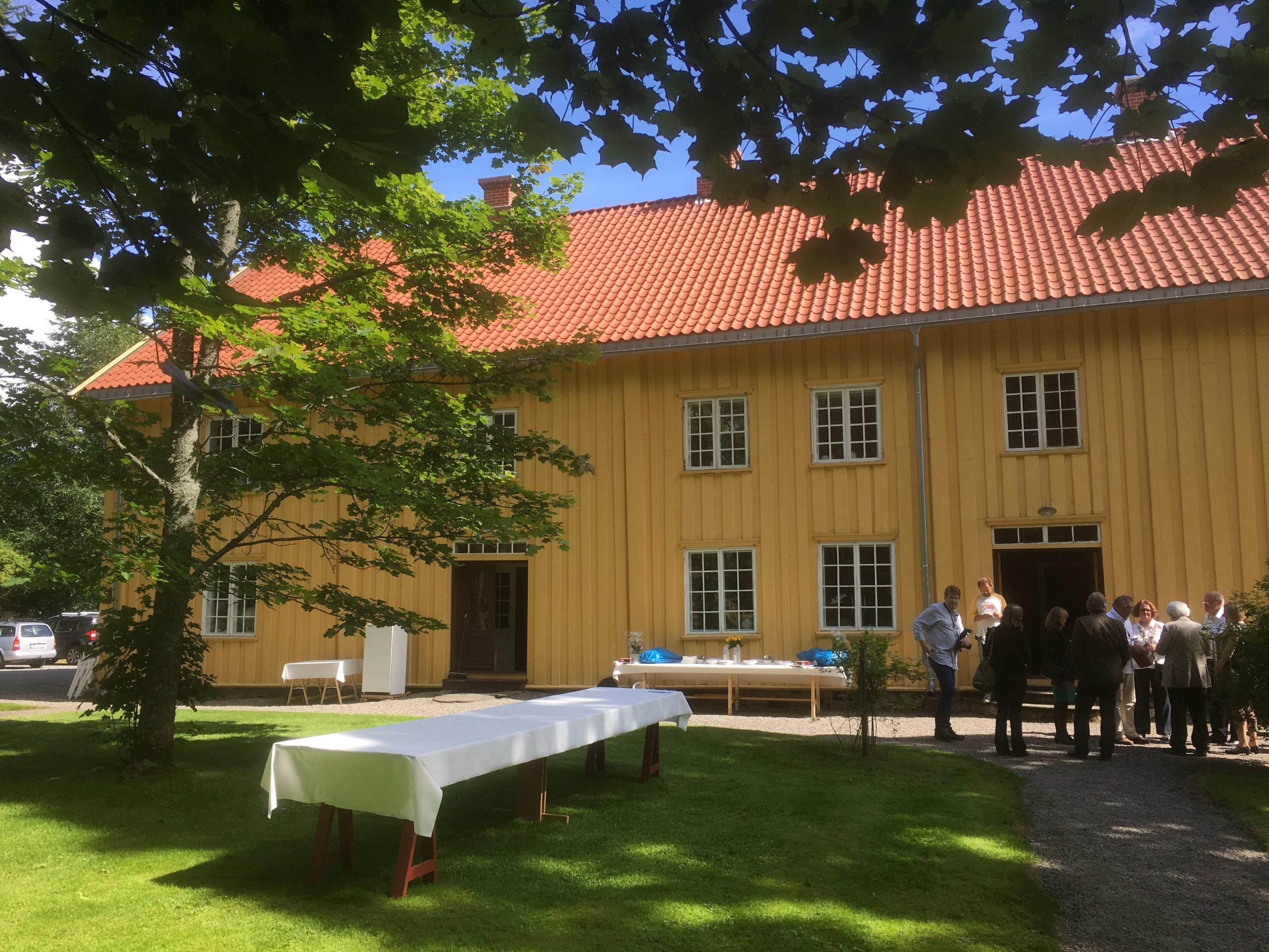 Bilde av Hovedbygningen på Skrivergarden Hovin. Foto: Turid Årsheim, Riksantikvaren