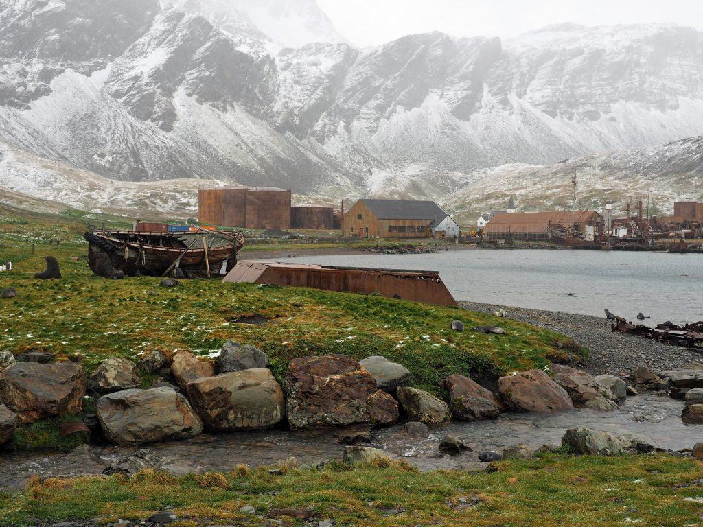 Bildet viser Grytviken industrisamfunn på Syd-Georgia. Foto: Siri Wolland.