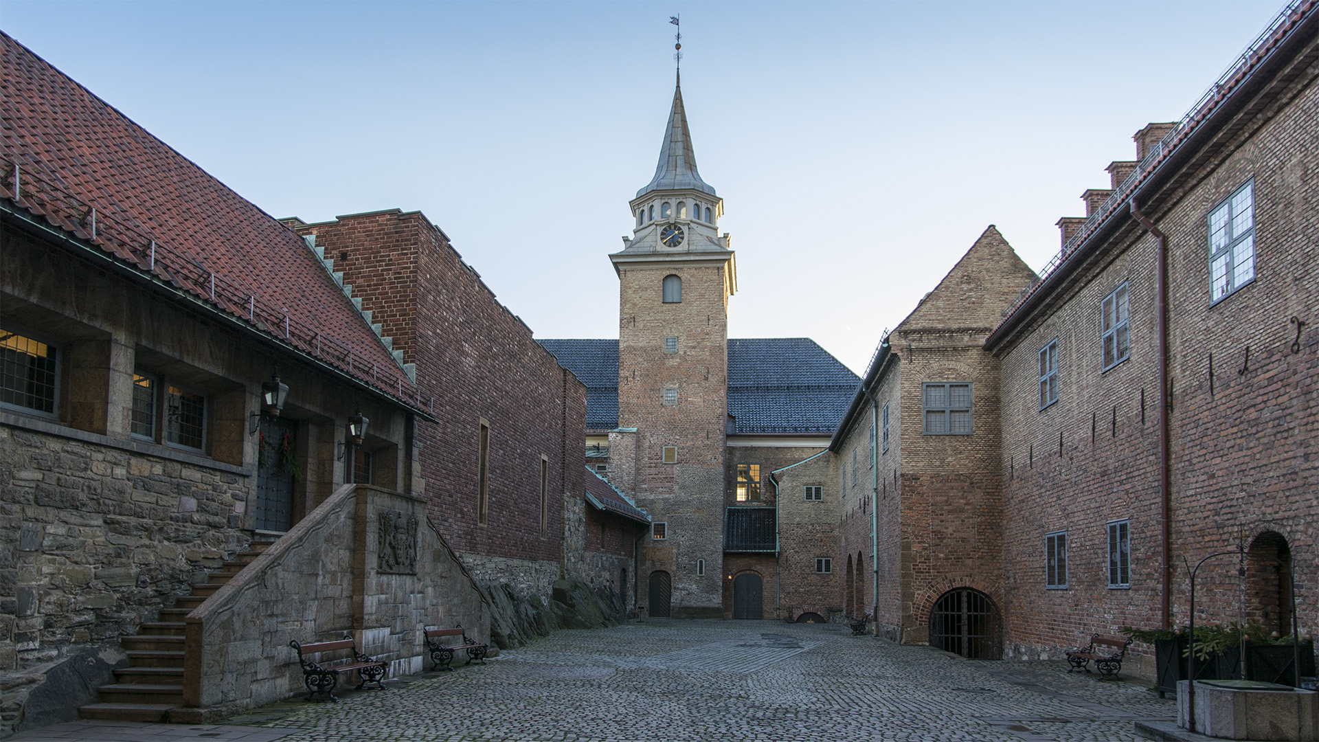 Bilde av Akershus Festning, Slottsgård mot Sør. Foto: Dagfinn Rasmussen
