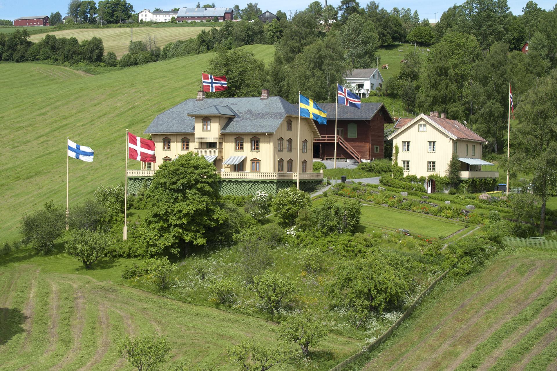 Bilde av Bjørnstjerne Bjørnsons hjem Aulestad. Foto: Camilla Damgård