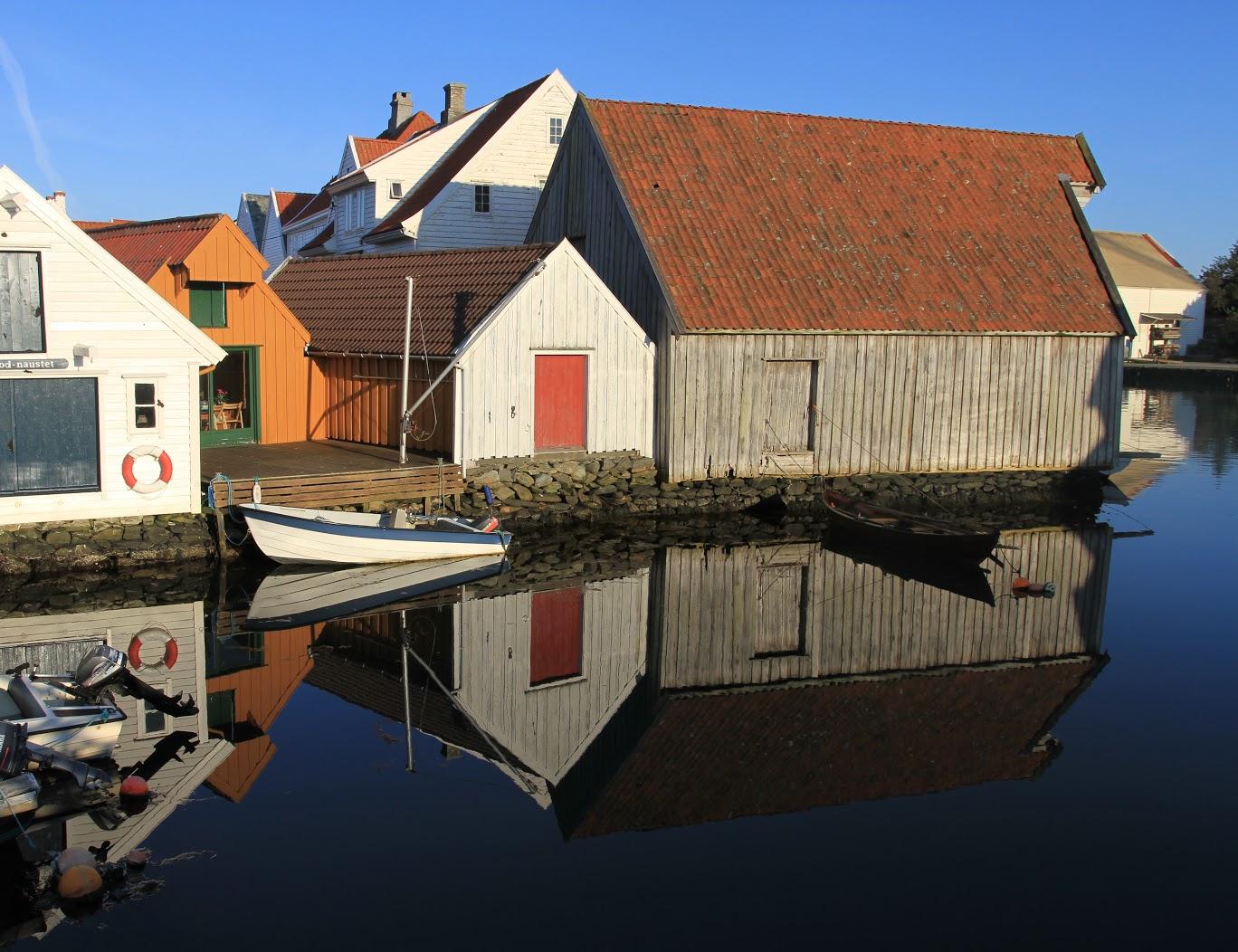 Bildeutsnitt av Holmen. Foto er tatt av Ørjan B. Iversen