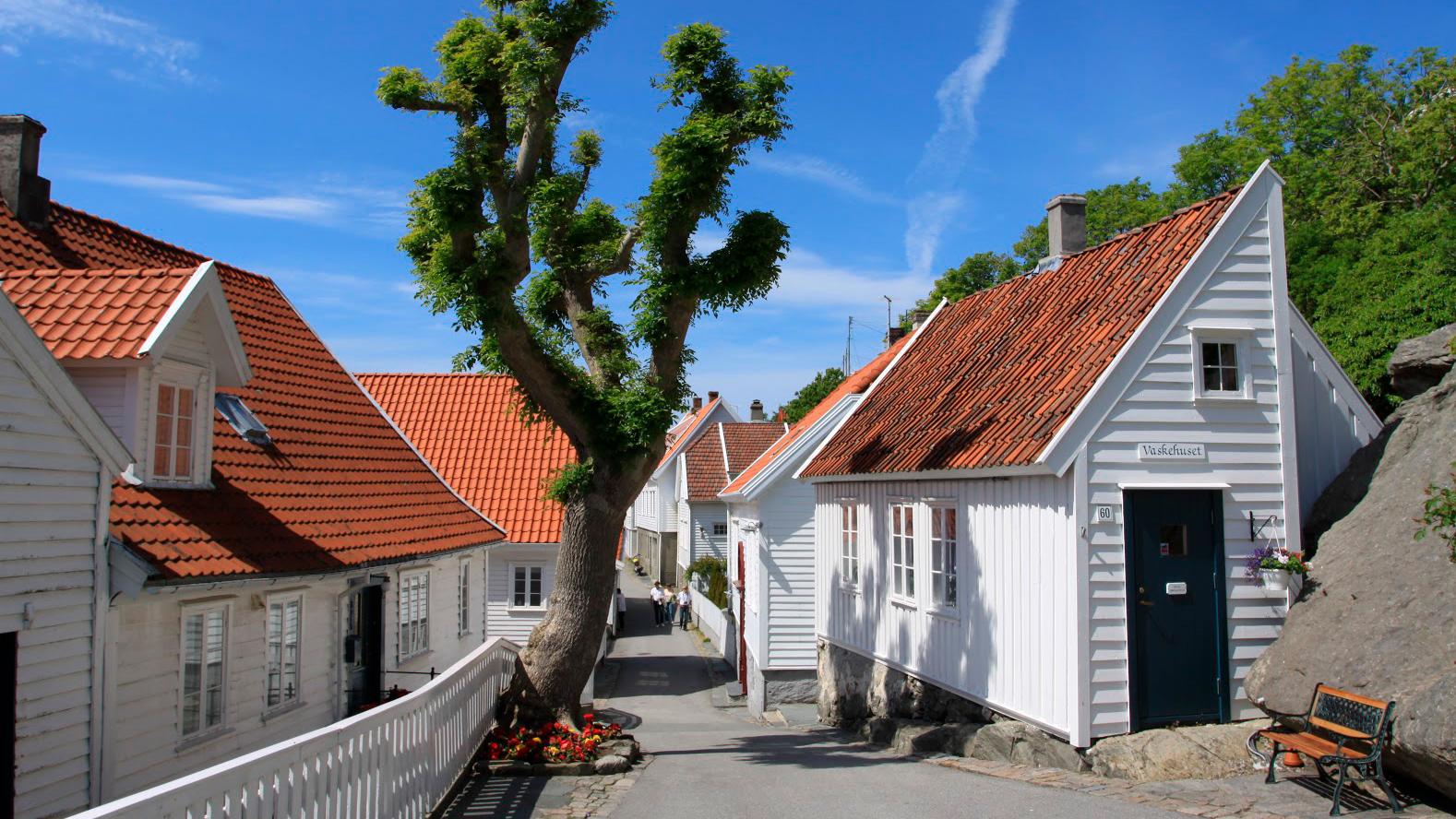 Bilde av en gate i skudeneshavn. Foto er tatt av Ørjan B. Iversen, Riksantikvaren