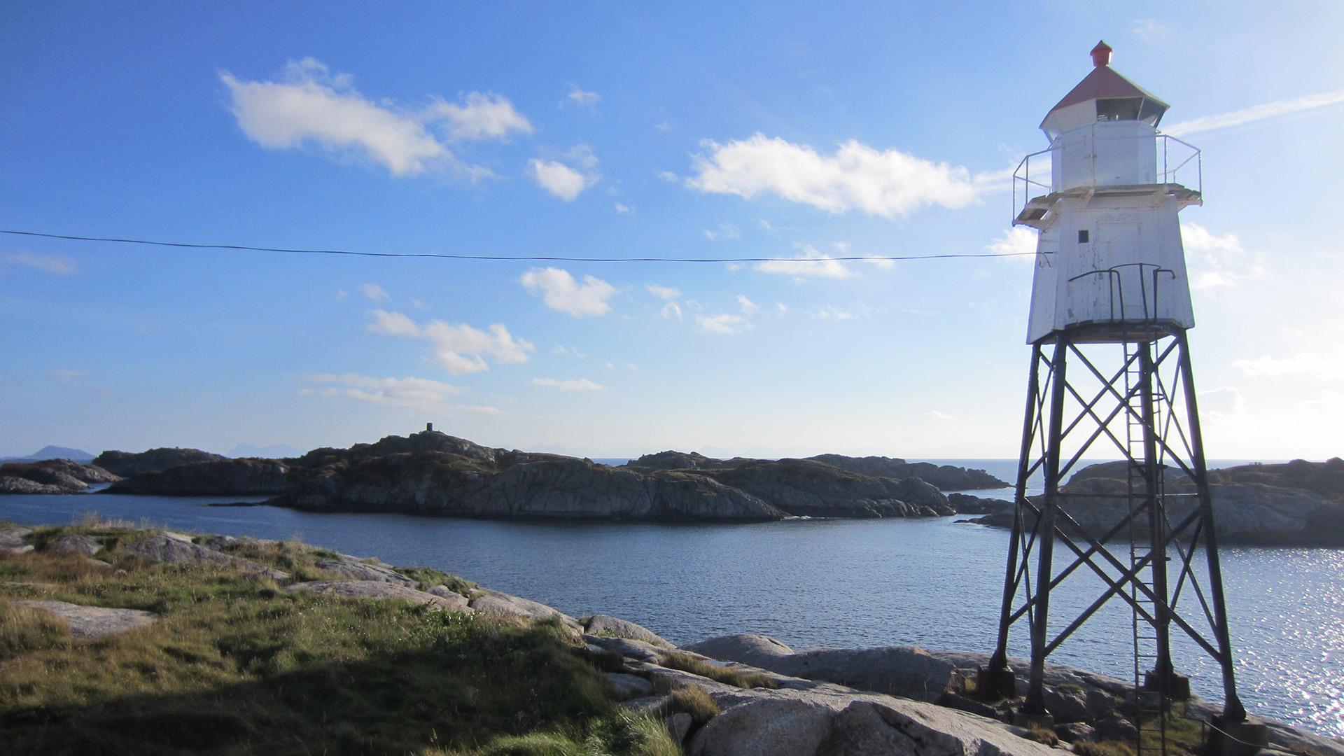 Bildet viser Henningsvær fyrlykt. Foto er tatt av Mari Søbstad Amundsen, Riksantikvaren