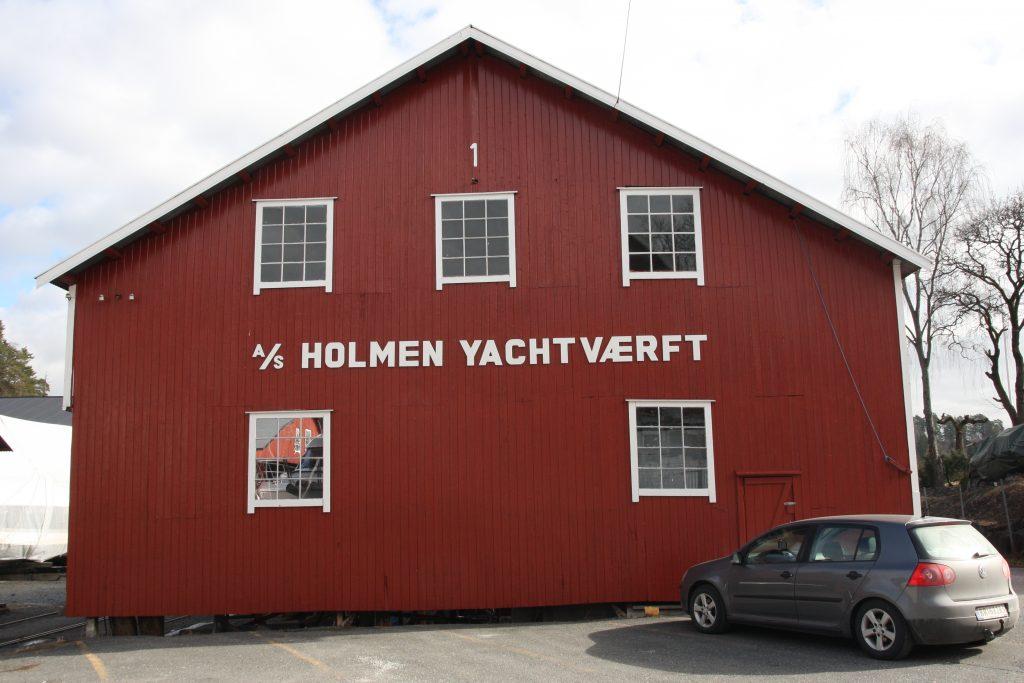 Bilde av Holmen Yachtværft som fremdeleser i drift og knyttet til en fritidsaktivitet befolkningen langs Oslofjorden har dyrket i ulike former gjennom mange hundre år. Foto: Øystein Hagland, Riksantikvaren