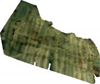 Dette er et ortofoto som viser vrakområdet. Øverst til venstre ser vi to anker, og nederst til høyre ser vi restene av byssa som var laget av murstein. Foto: Frode Kvalø, Norsk Maritimt Museum