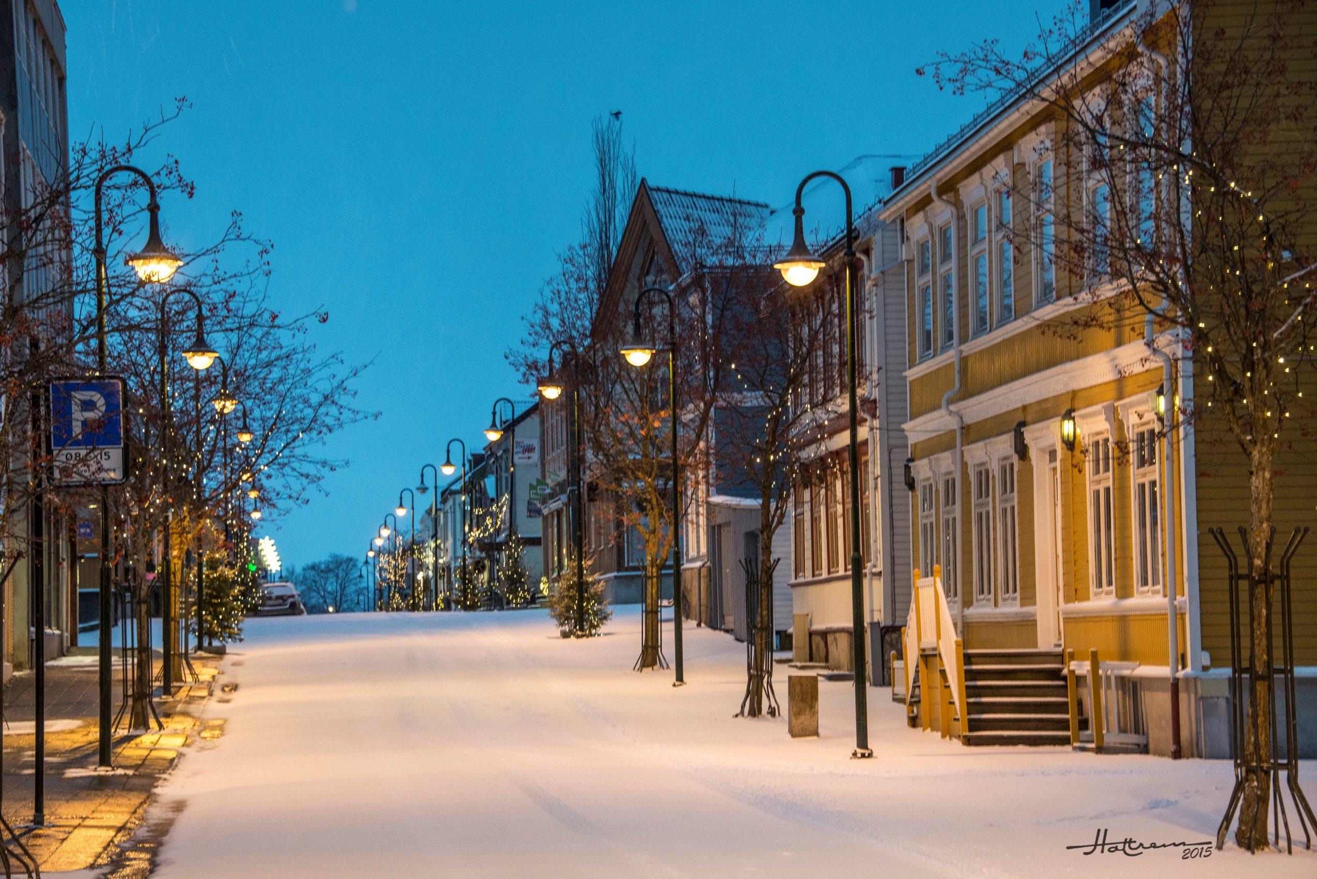 Eit bilete av ei gate i Levanger. Foto tatt av Trond Hattrem, Hattrem AS