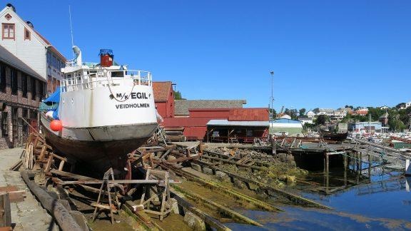 Bildet viser båten M/K Egil frå Veidholmen på Smøla. Foto er tatt av
