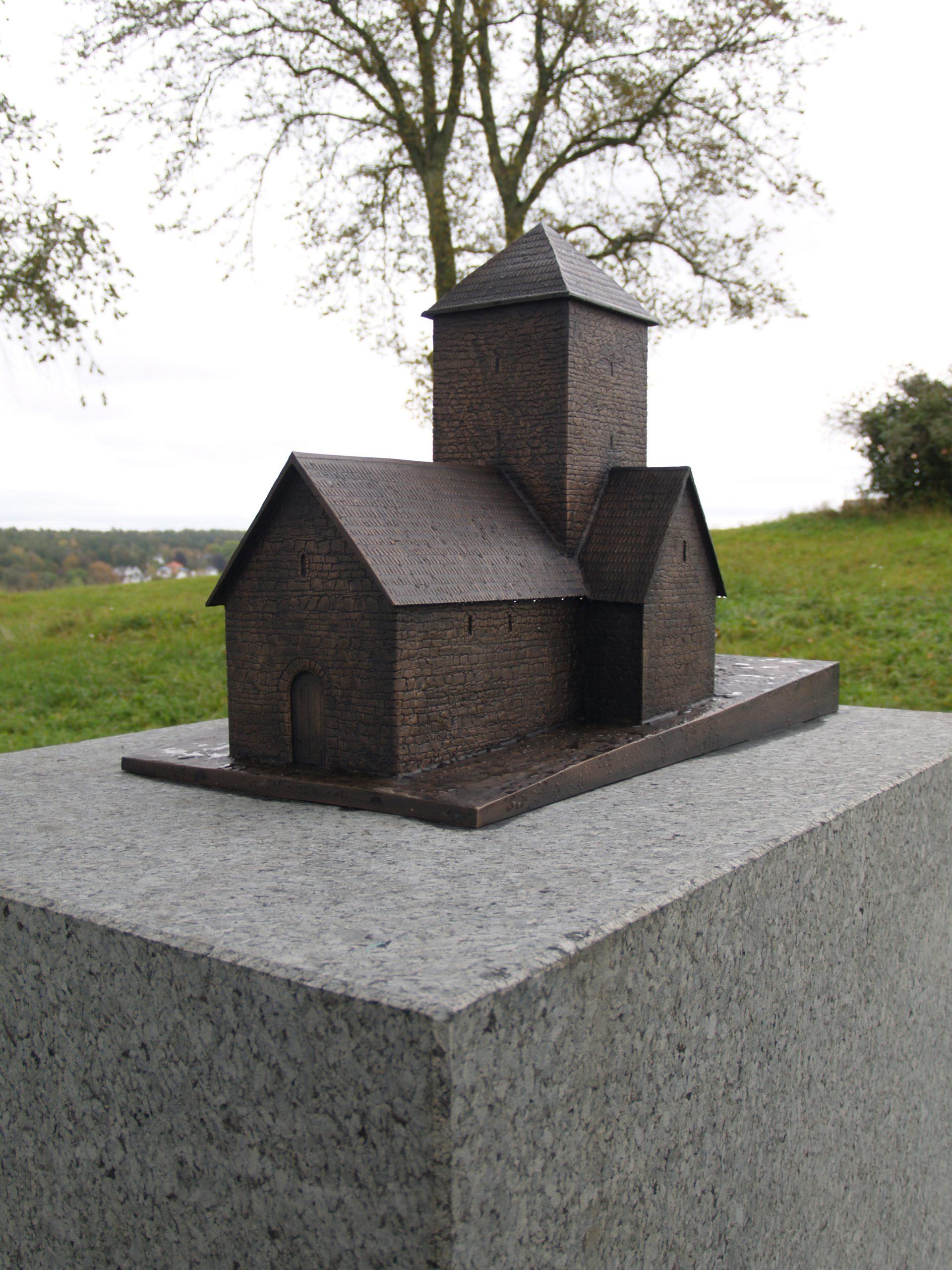 Bilde av Bronsemodellen av Mikaelskirken. Fotograf Synne Vik Torsdottir, Riksantikvaren