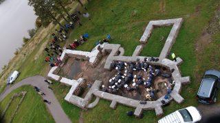 Bilde av ruinene av Mikaelskirken i Tønsberg, sett ovenfra. Fotograf Synne Vik Torsdottir