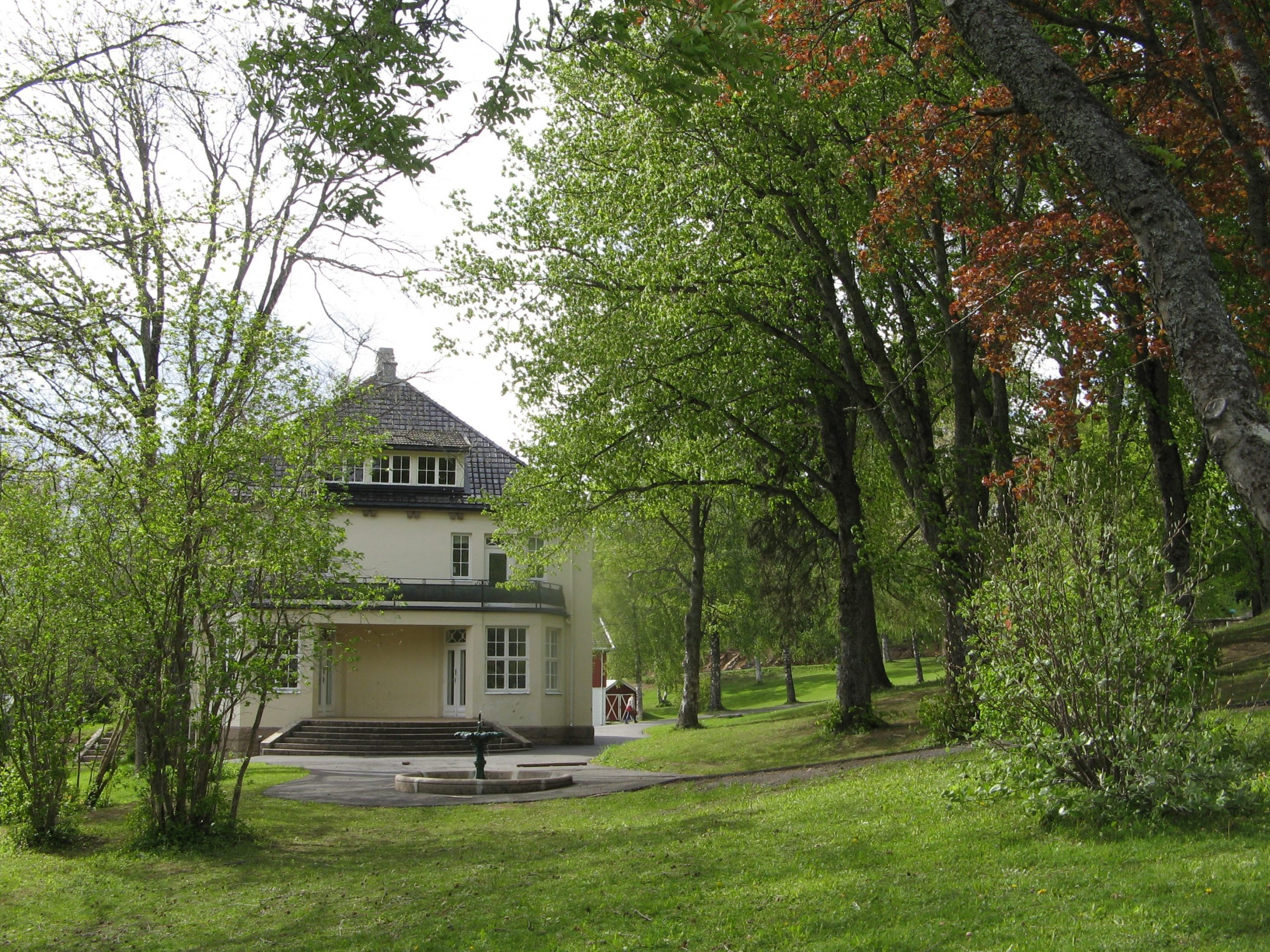 Bildet av landskapsparken som omgir anlegget. Foto: Mette Eggen, Riksantikvaren