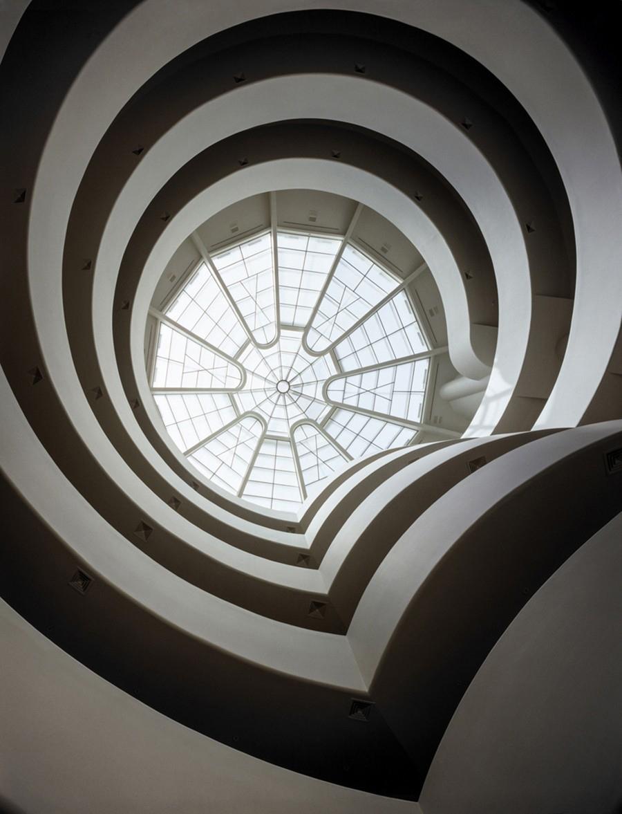 Bildet viser innsiden av Solomon R. Guggenheim Museem i New York. Foto lånt fra Solomon R. Guggenheim Museum.