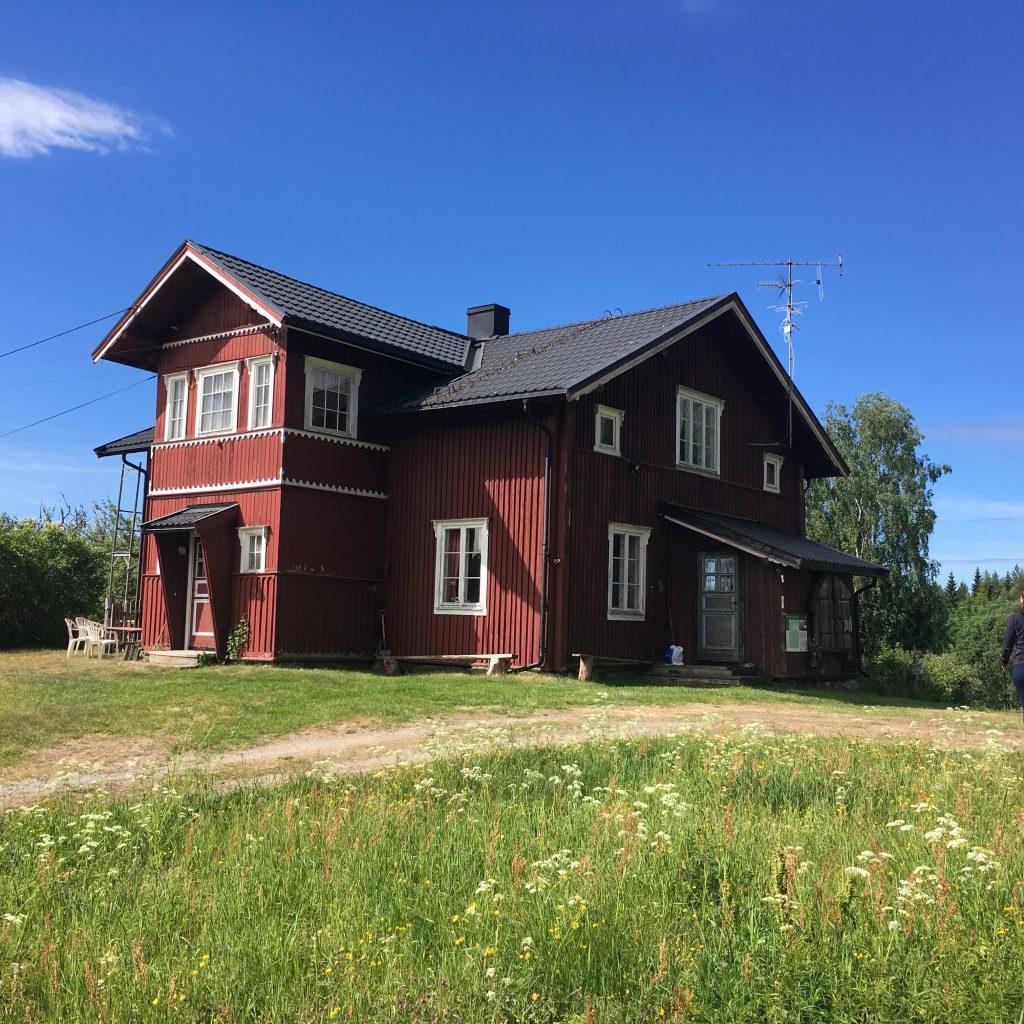 Bilde av våningshuset på Orala. Foto av Marit Vestvik, Riksantikvaren