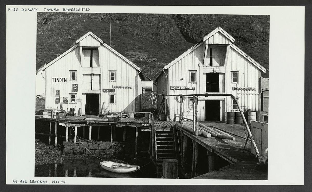 Fiskebrygga eldre fotokort frå Riksantikvaren sine arkiv.