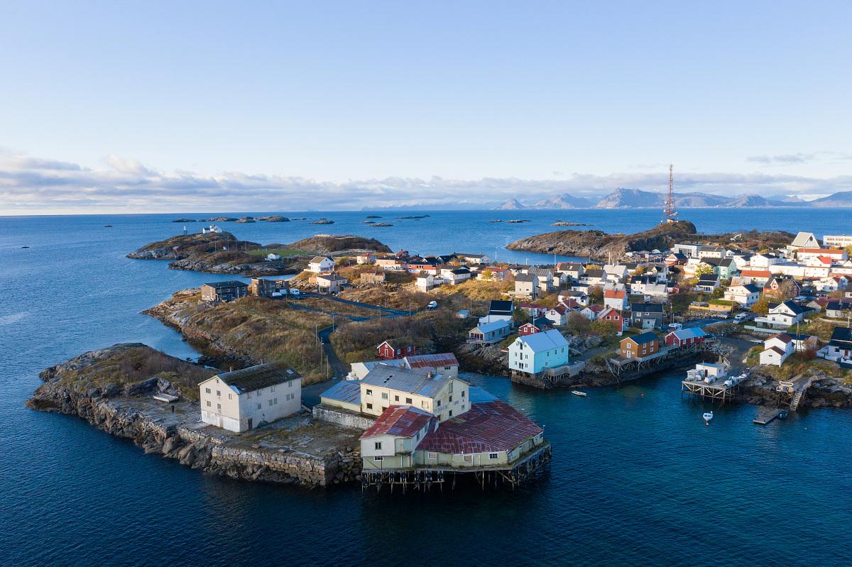Dronebilde av Henningsvær