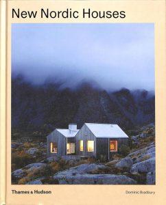 Bilde av boka New Nordic Houses
