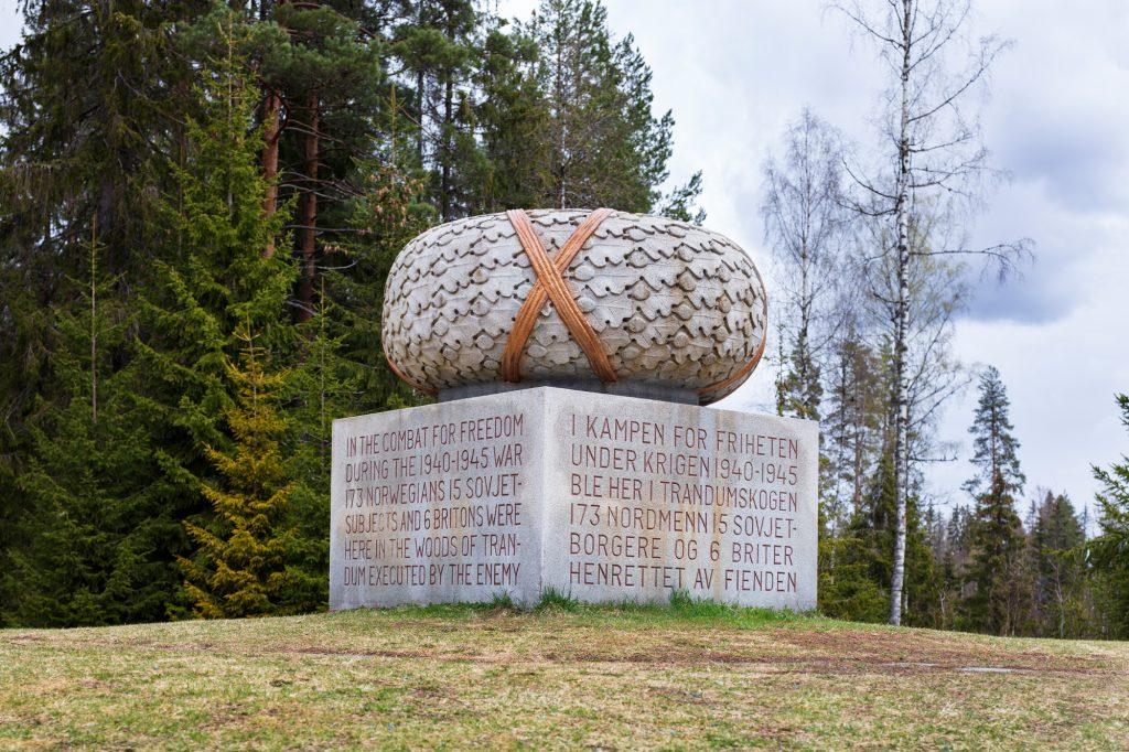 Monument i Trandumskogen