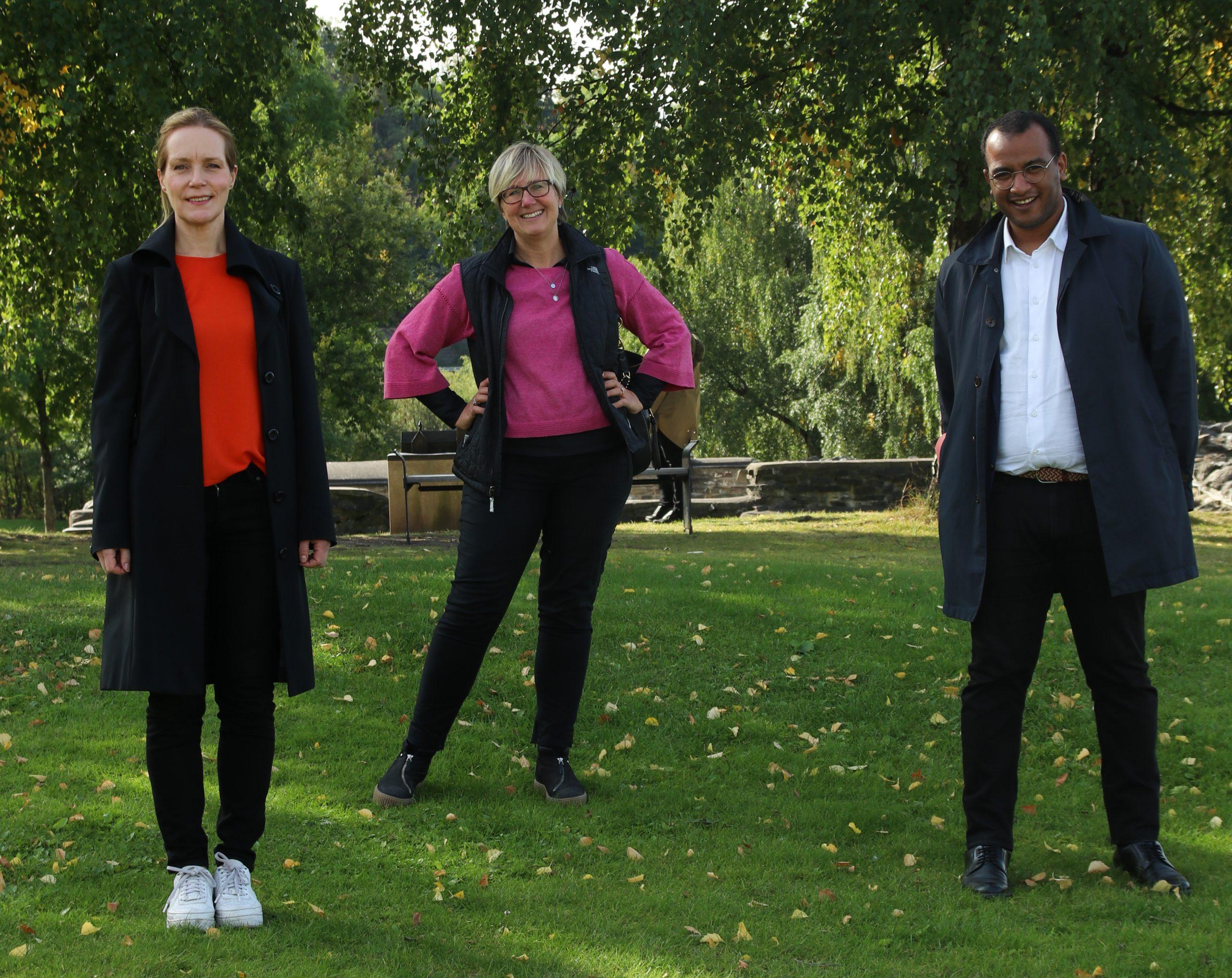 Riksantikvar Hanna Geiran, konserndirektør i Bane NOR Stine Ilebrekke Undrum og kulturbyråd i Oslo kommune Omar Gamal