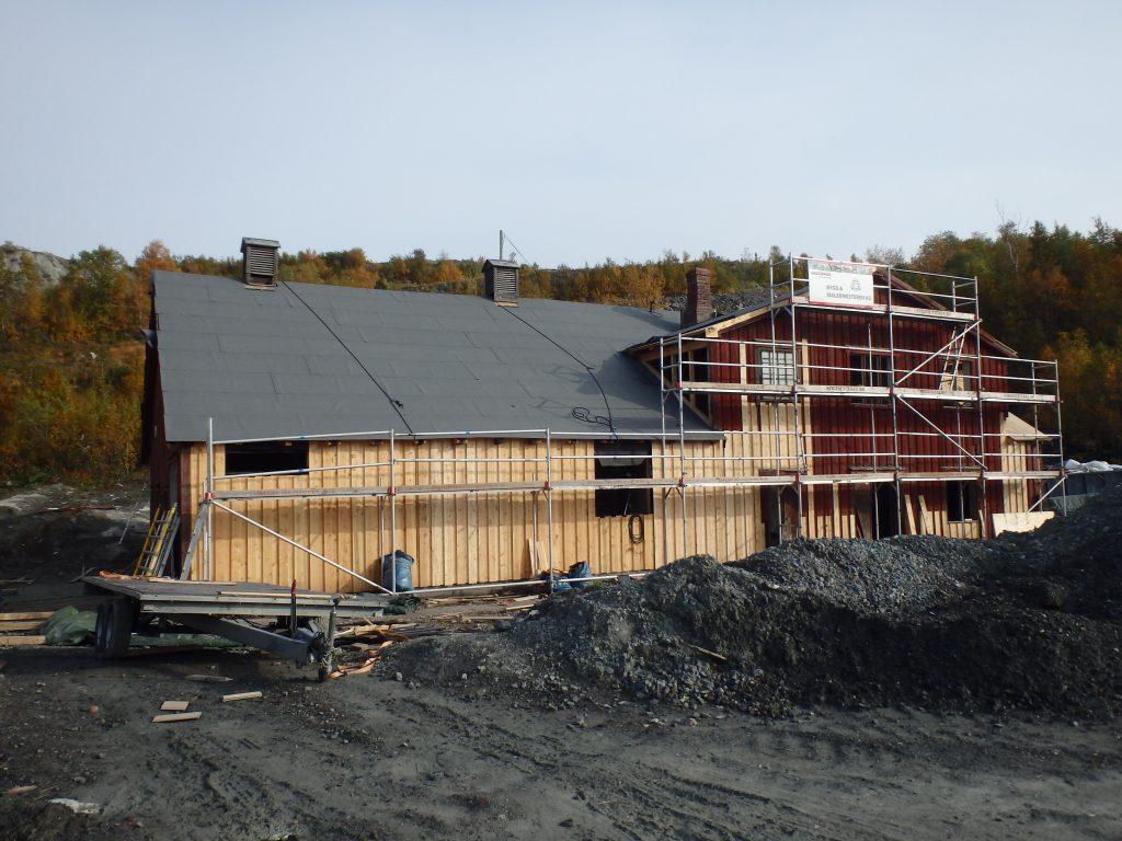 Rørbua i sluttfasen av istandsettingen, høsten 2014. Foto: Finnmark fylkeskommune.