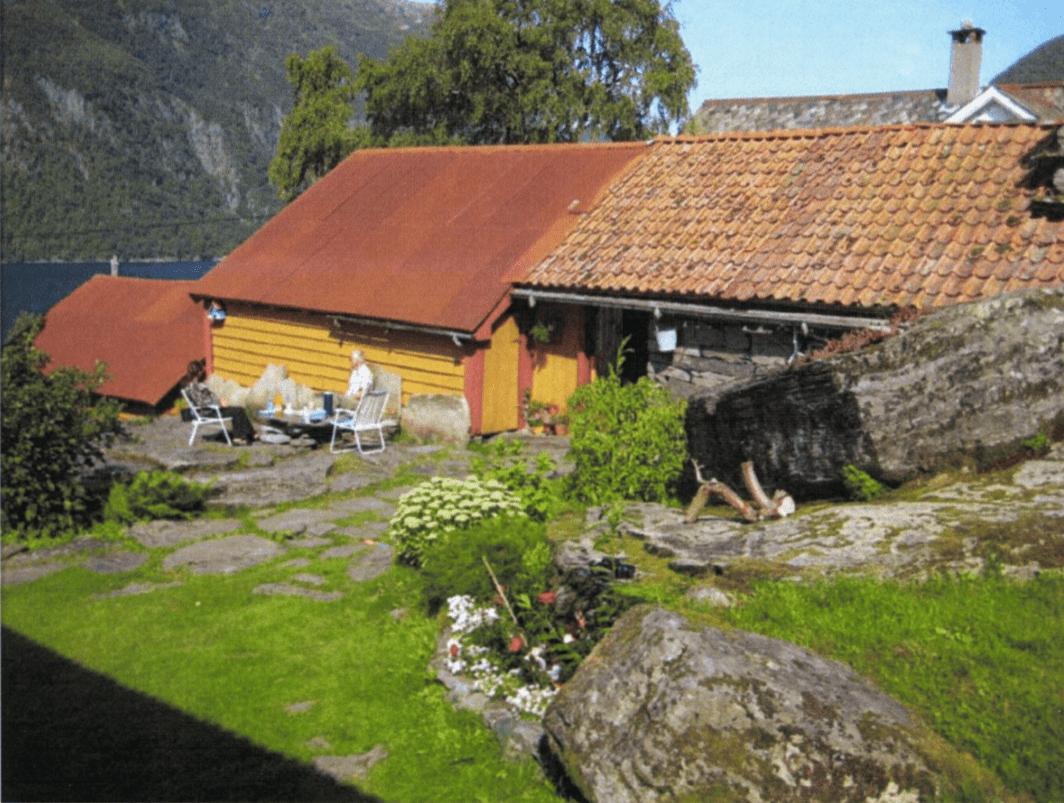 Klyngjetunet på Osmundes er eit kulturminne av nasjonal verdi og Riksantikvaren har freda bygningane i tunet og eit område rundt.