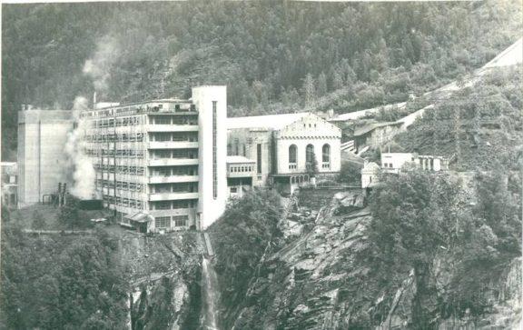 Hydrogenfabrikken på sent 60-tall. Foto: Ronald Håkonsen
