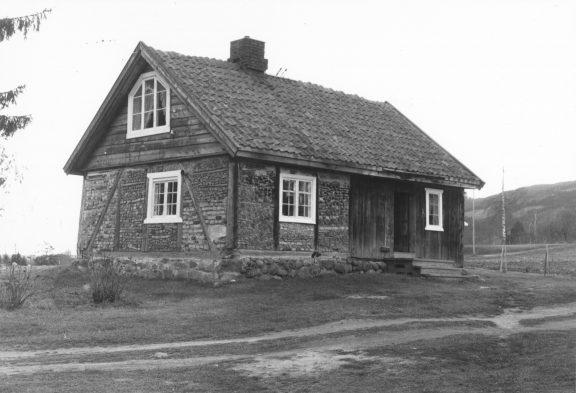 Foto av Panengstuen i 1978. Baksiden av stuen. Foto: Knut Skjeggestad, Riksantikvaren