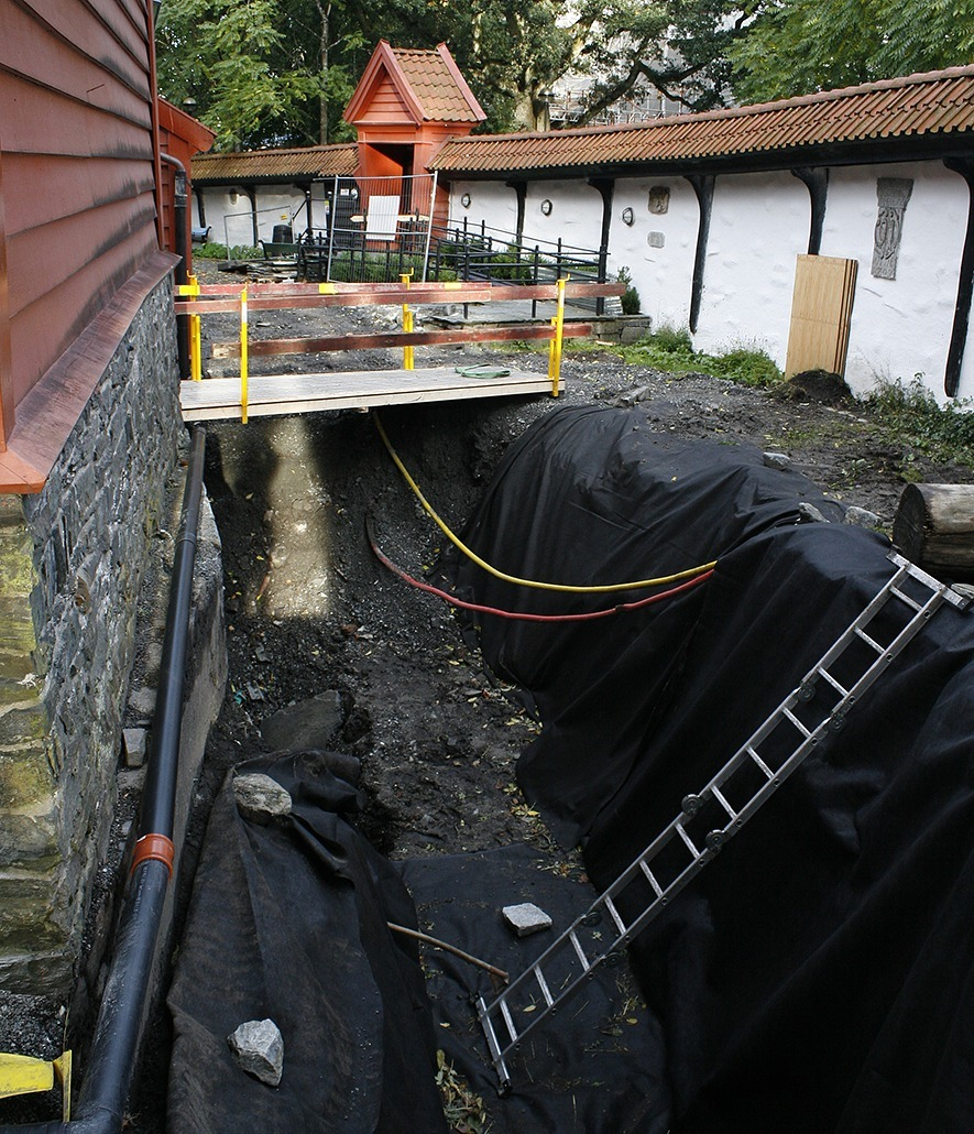 Conservation. Bryggen in Bergen is saved using new methods. Photo: Anette Ramstad, the Directorate for Cultural Heritage