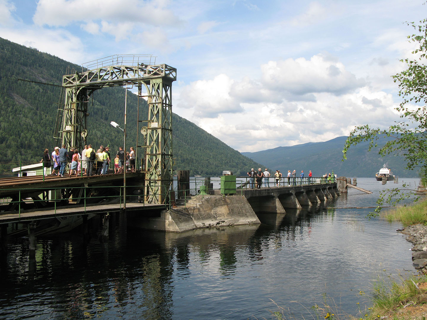 Ferry quay on the Rjukan Line. Photo: Sverre Nordmo, the Directorate for Cultural Heritage