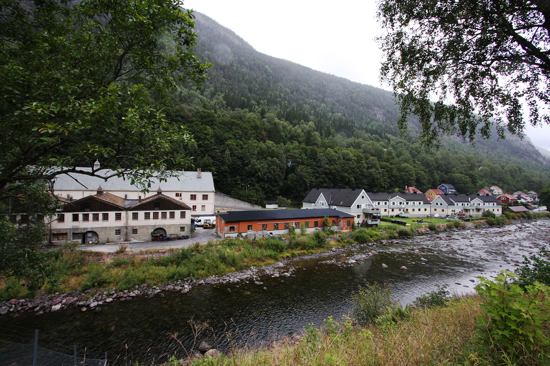 Rjukan. The barn and barn buildings in Rjukan. Photo: Eystein M. Andersen, the Directorate for Cultural Heritage