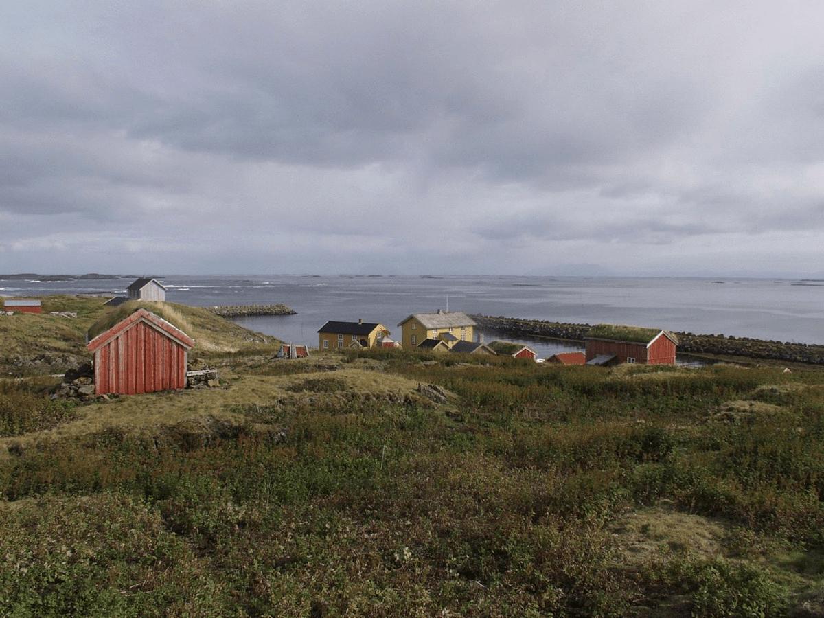 Photo of the buildings on Skjærvær. Skjærvær is part of the Vega Archipelago World Heritage Site. Photo by Jon Brænne, the Directorate for Cultural Heritage